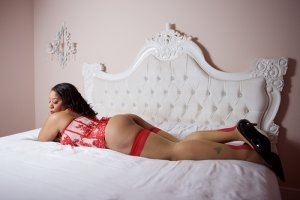 Maelline escort girl in New Castle