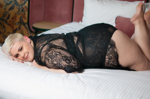 Briseis nuru massage in Dover NJ and live escort