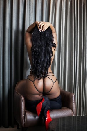 Yeline busty escort in Severna Park and erotic massage