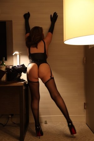 Hanim busty escort girl