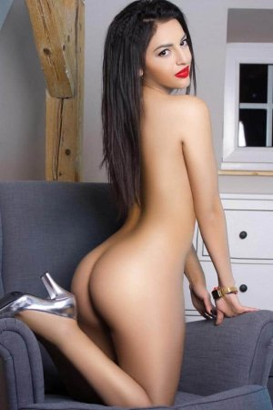 Loumia escort girl in South San Francisco CA & nuru massage