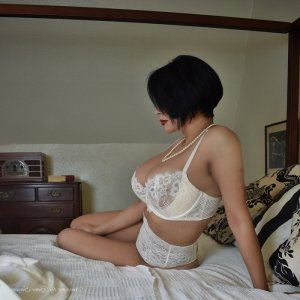 Ylenia call girls in Eagle Mountain and happy ending massage